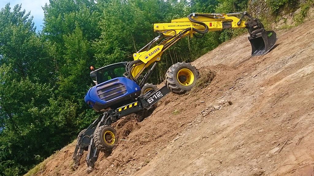 Entreprise Duperier TP en Savoie - Pelle araignée Kaiser S12 4x4