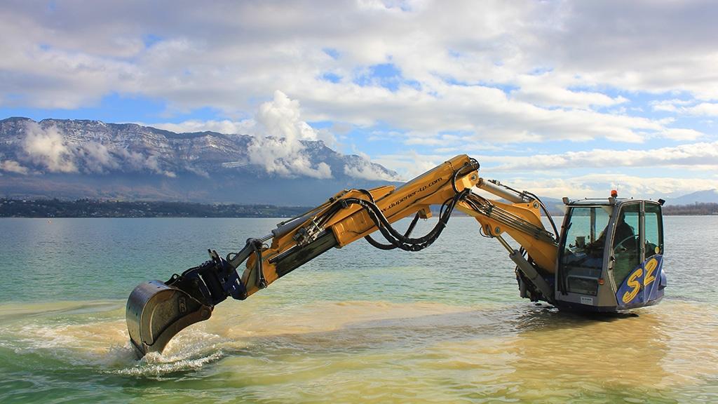 Duperier TP en Savoie - Travaux en milieu aquatique en pelle araignée Kaiser S2